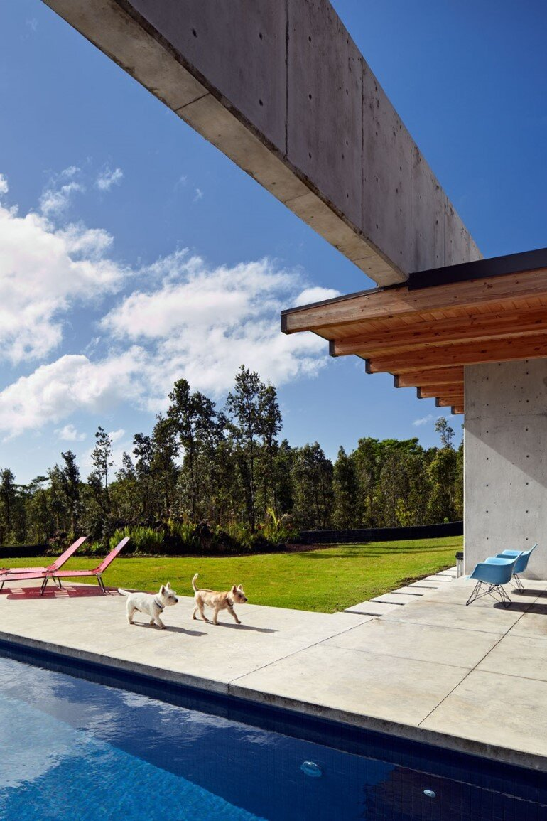 Lavaflow House in Hawaii by Craig Steely Architecture (12)