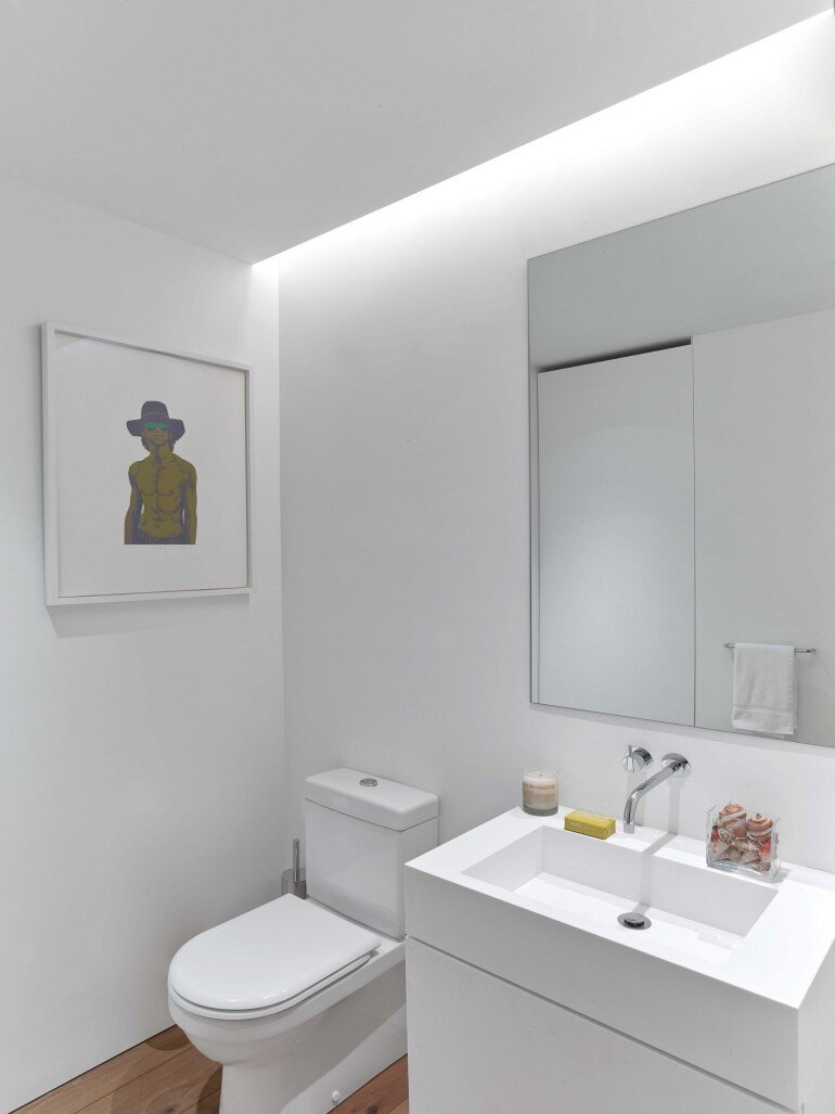 Minimalist Design and Organic Touches in Central Park West Apartment (4)