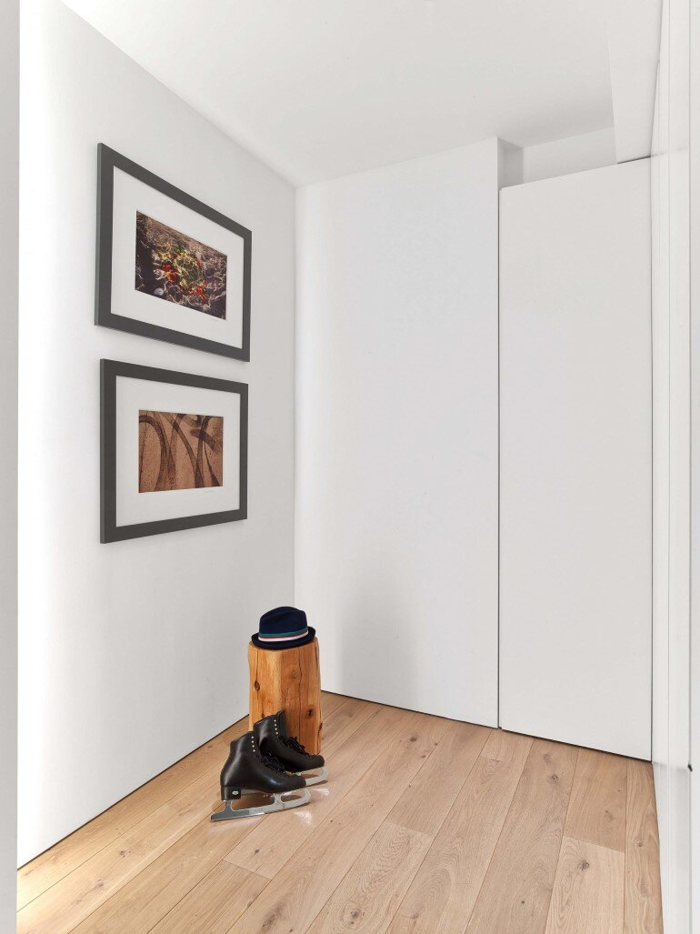 Minimalist Design and Organic Touches in Central Park West Apartment (8)