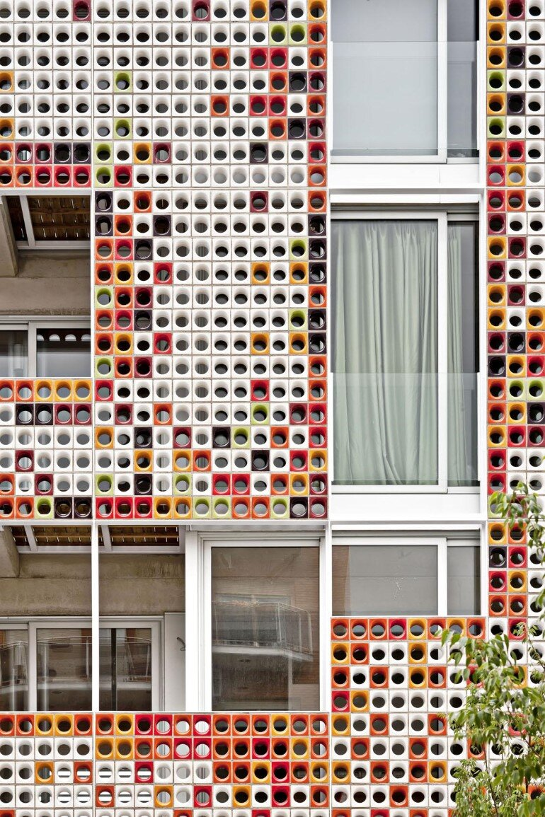 Multifamily Housing Designed with a Shiny Colorful Ceramic Facade (3)