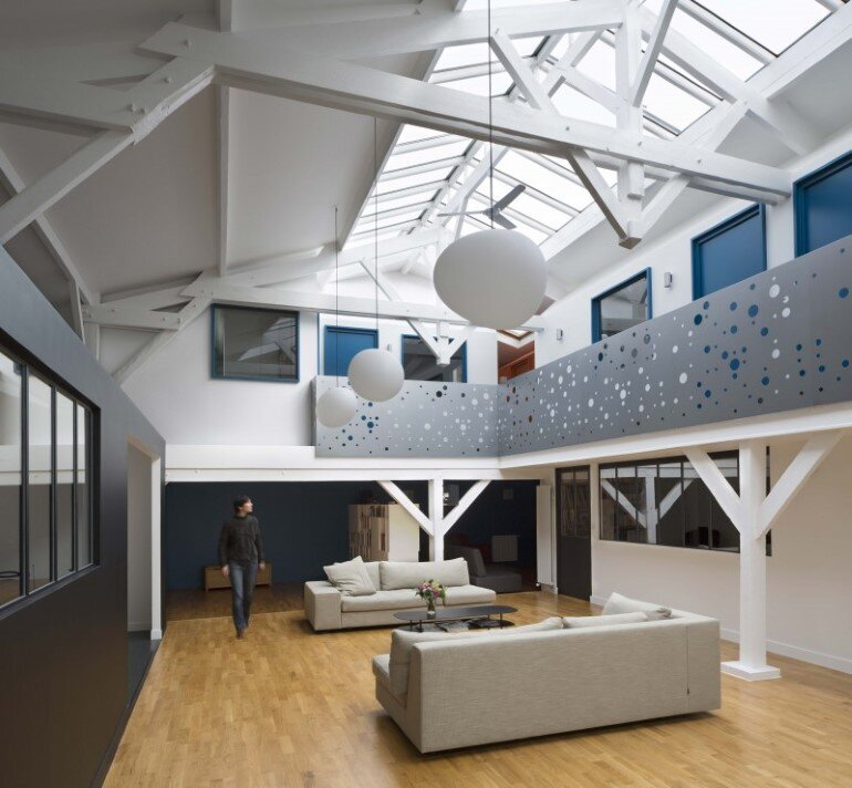 Old Carpentry Transformed into a Light-Filled Loft (1)