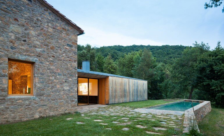 Rebuilding and Extension of the Farmhouse Can Calau (1)