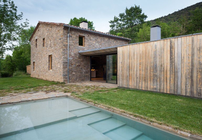 Rebuilding and Extension of the Farmhouse Can Calau (21)