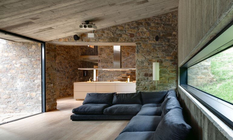 Rebuilding and Extension of the Farmhouse Can Calau (9)