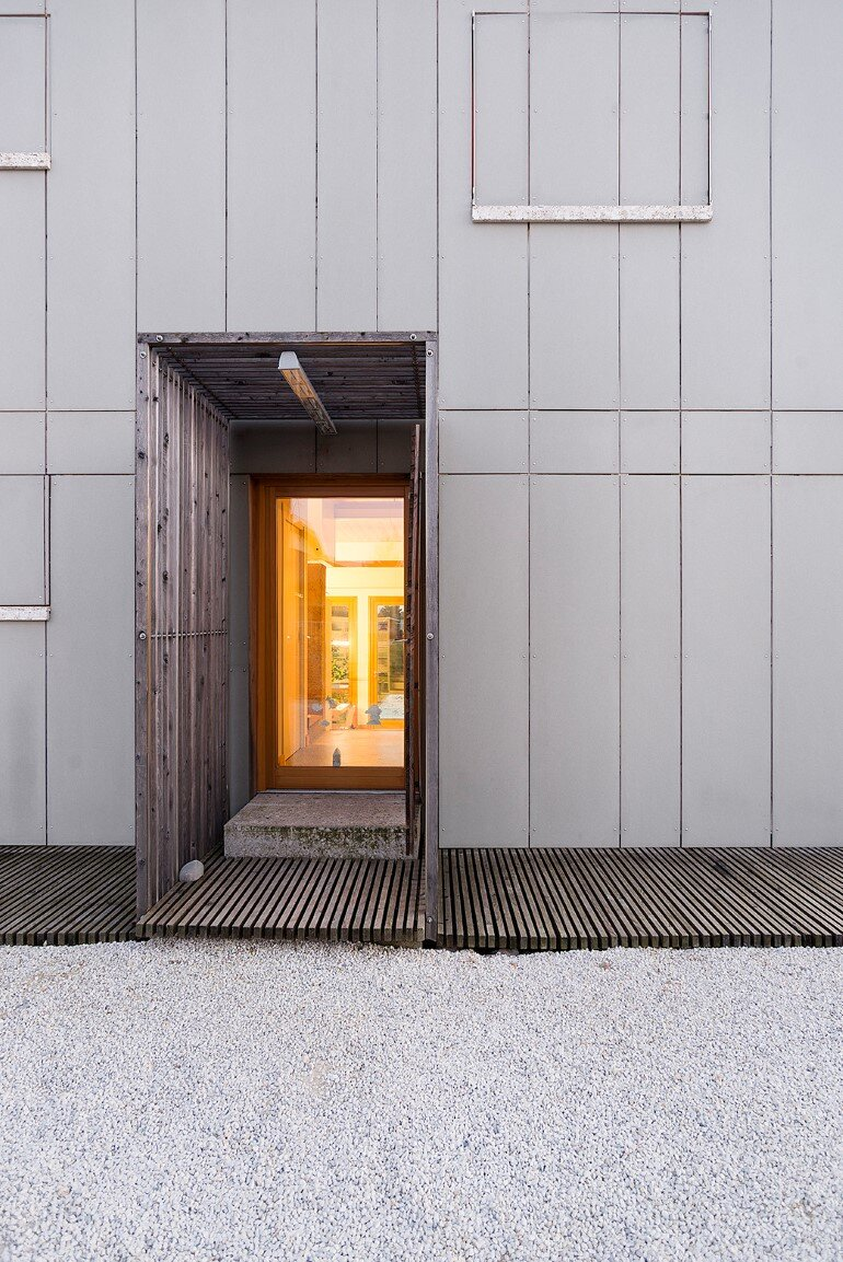 Self-Made House near Milano by Paolo Carlesso (18)