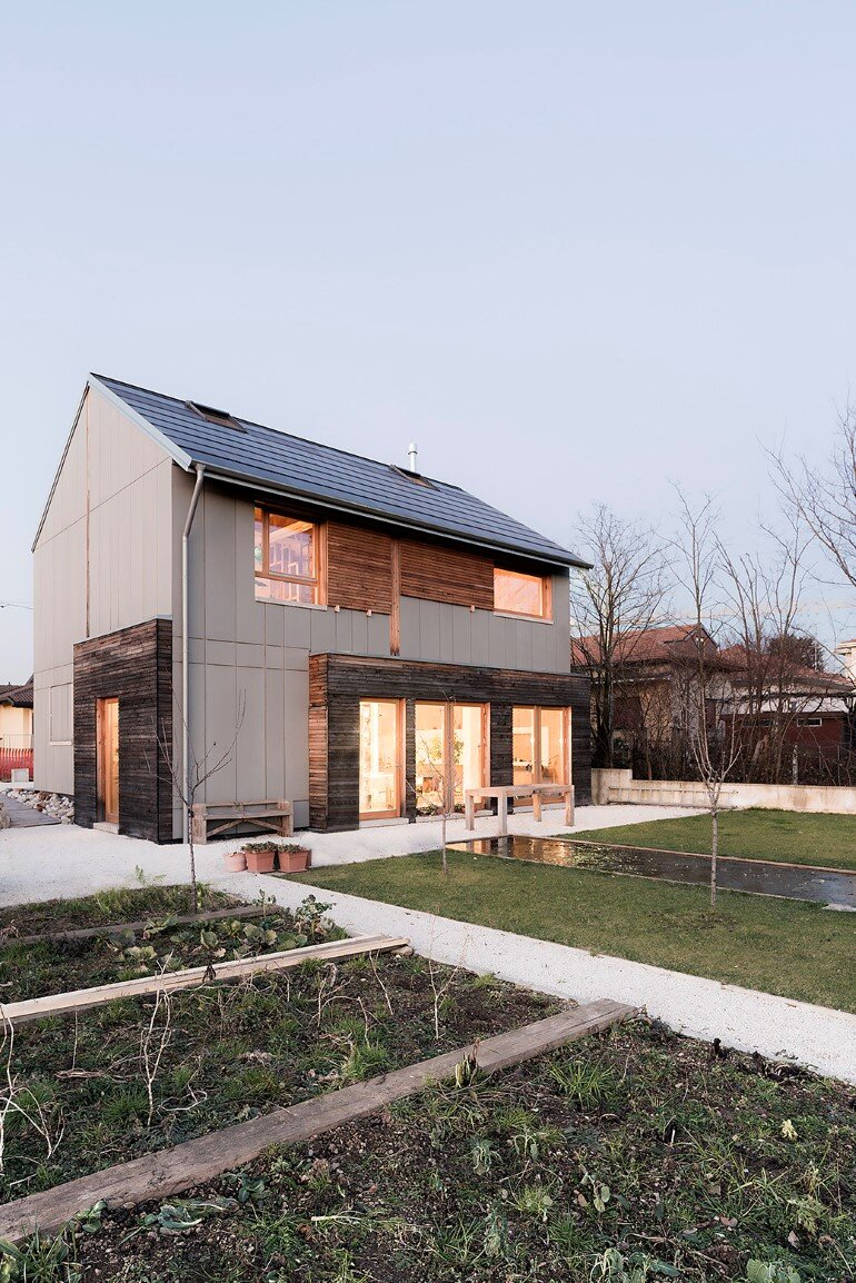 Self-Made House near Milano by Paolo Carlesso (19)