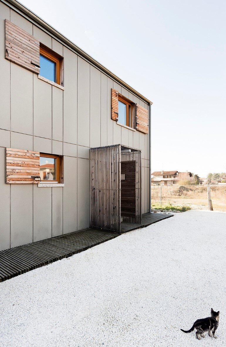 Self-Made House near Milano by Paolo Carlesso (7)