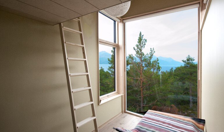 Straumsnes Holiday Cabin - Views Over a Norwegian Fjord 5