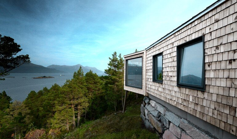 Straumsnes Holiday Cabin - Views Over a Norwegian Fjord 8
