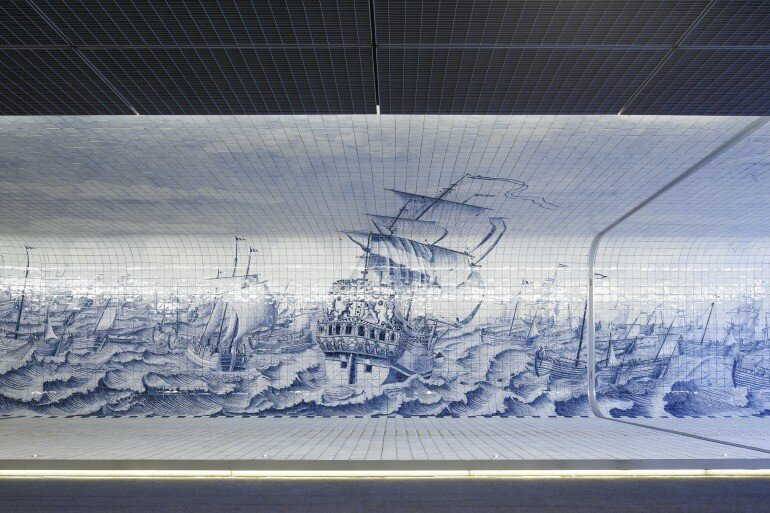 The Cuyperspassage at Amsterdam's Central Station is Decorated with 80,000 Hand-Painted Tiles (4)