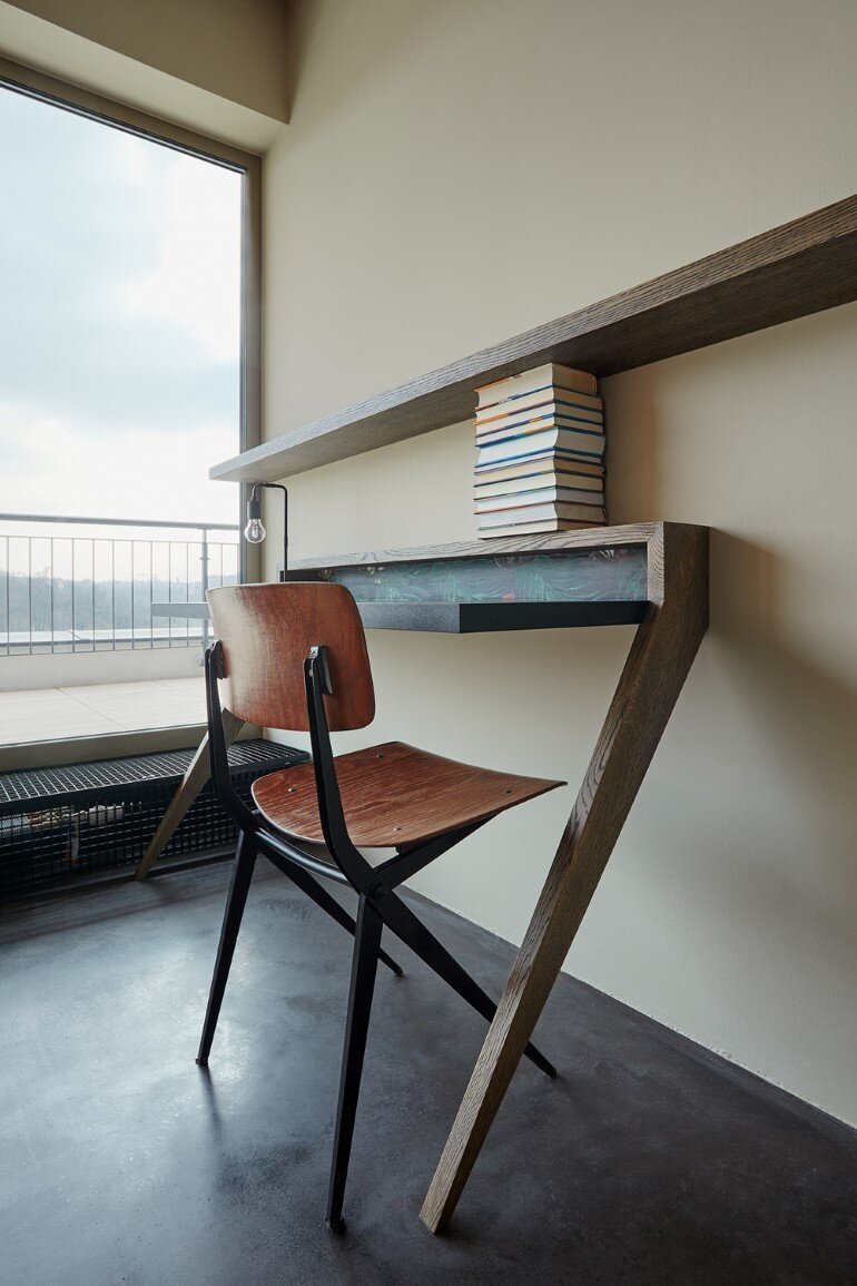 The Loft Hrebenky Combines Rawness and Plenty of Tailor-Made Pieces (18)