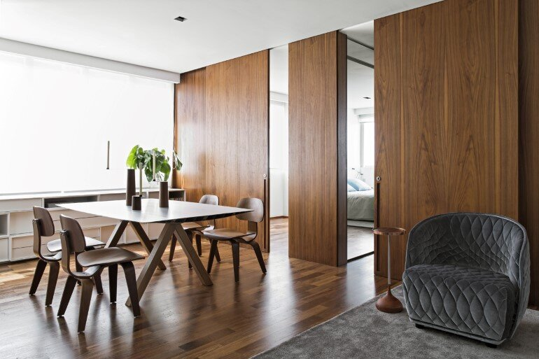 This Apartment Has a Kitchen Area Fully Clad with Porcelain Tiles (7)