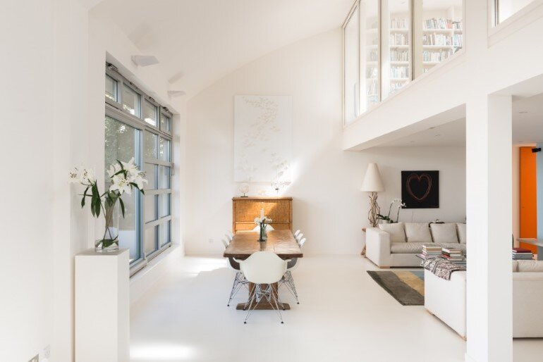 This London Penthouse Offers Double-Height Spaces and Extensive Terracing (8)