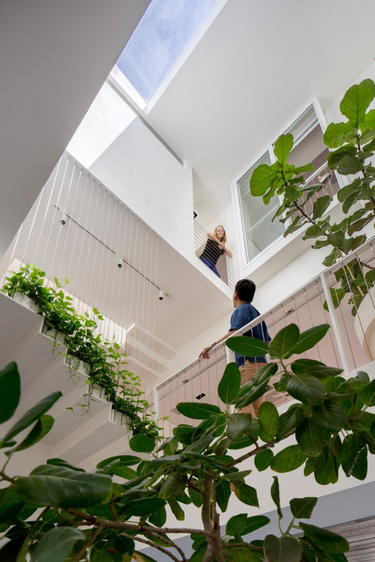 This Open House Gives You the Feeling That You Are in a Boundless Garden (10)