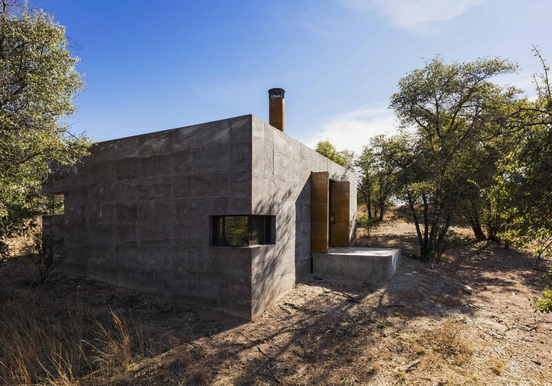 Casa Caldera - Small Shelter in Arizona by DUST (2)