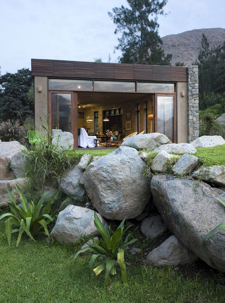 Chontay Stone House in Peru by Marina Vella Arquitectos (13)