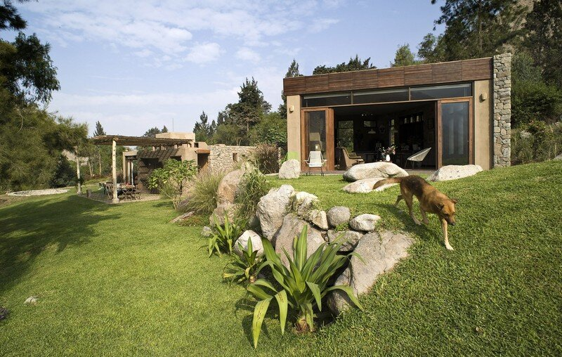 Chontay Stone House in Peru by Marina Vella Arquitectos (16)