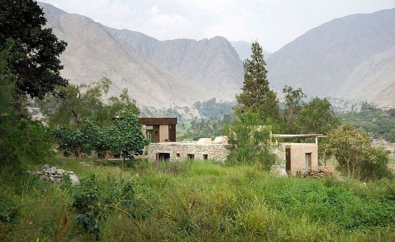 Chontay Stone House in Peru by Marina Vella Arquitectos (9)
