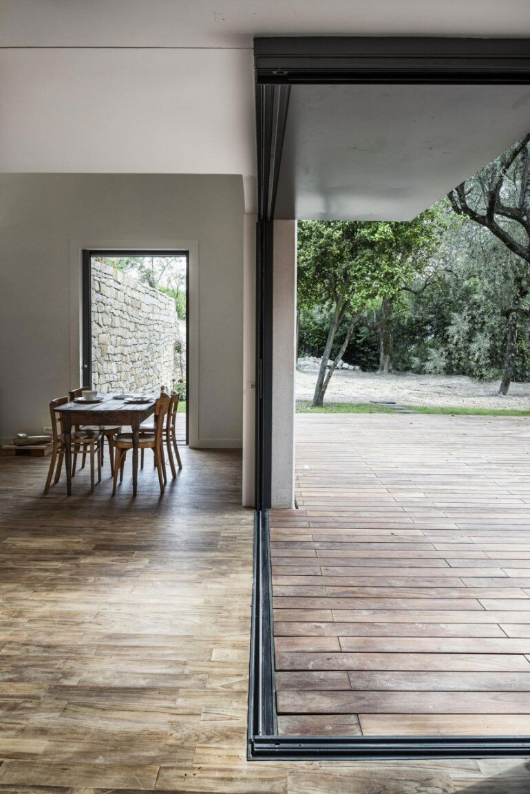 Contemporary Rural House by Cyril Chenebeau (12)
