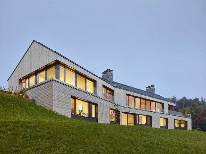 Hilltop House by Atelier Kastelic Buffey (7)