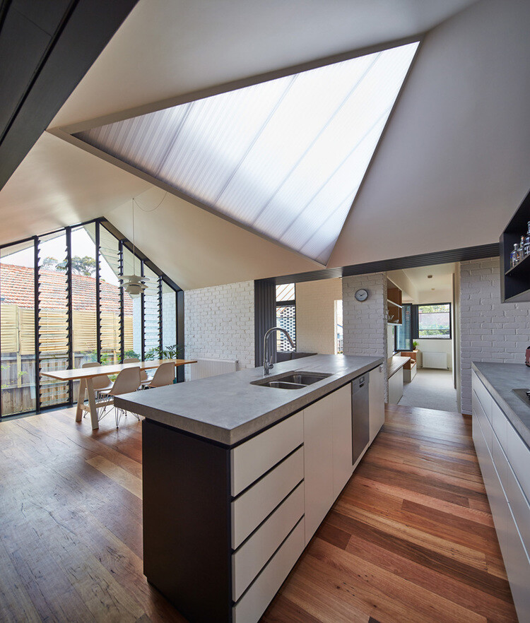 Hip and Gable House - Extension of a Californian Bungalow (12)