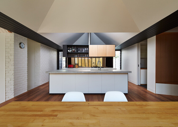 Hip and Gable House - Extension of a Californian Bungalow (13)