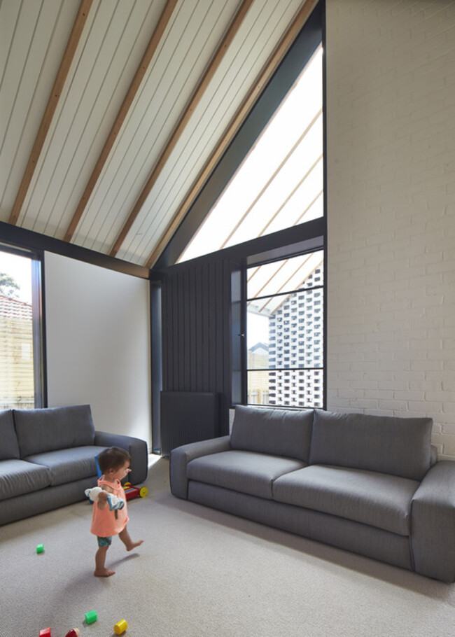 Hip and Gable House - Extension of a Californian Bungalow (6)