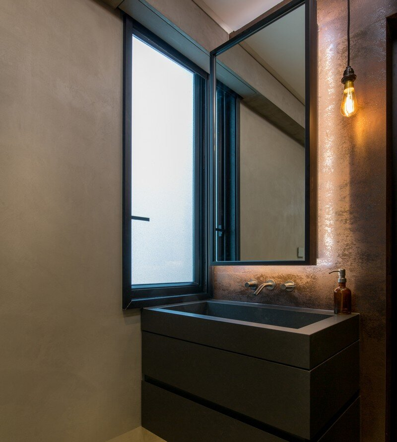 Hong Kong Cramped Flat Converted in a Eco High Tech Rooftop Retreat 7
