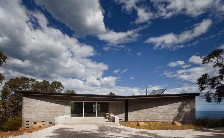 House at Big Hill by Kerstin Thompson Architects (1)
