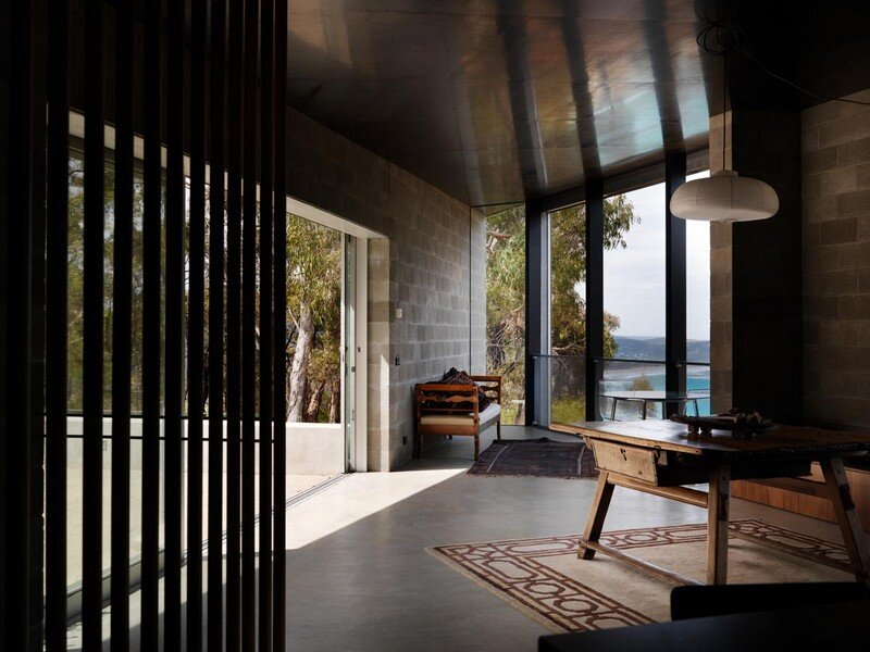House at Big Hill by Kerstin Thompson Architects (9)