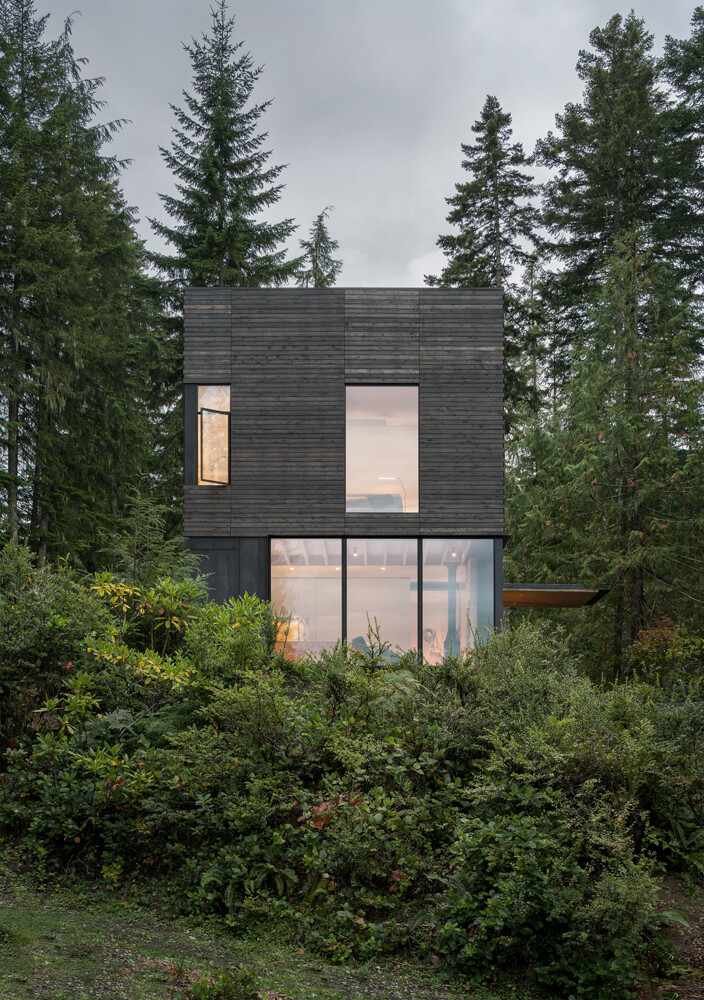 Little House Wrapped in Blackened Timber - MW Works (5)