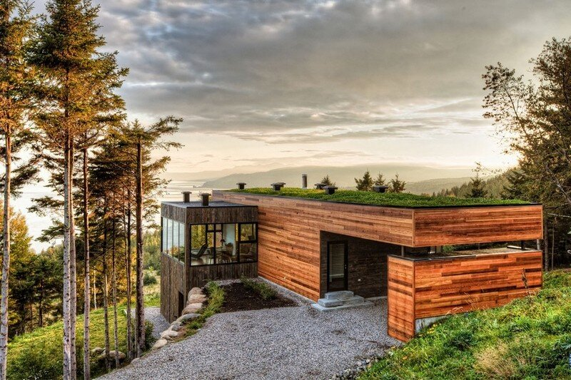 Malbaie V Residence is Fully Covered with a Green Roof (1)