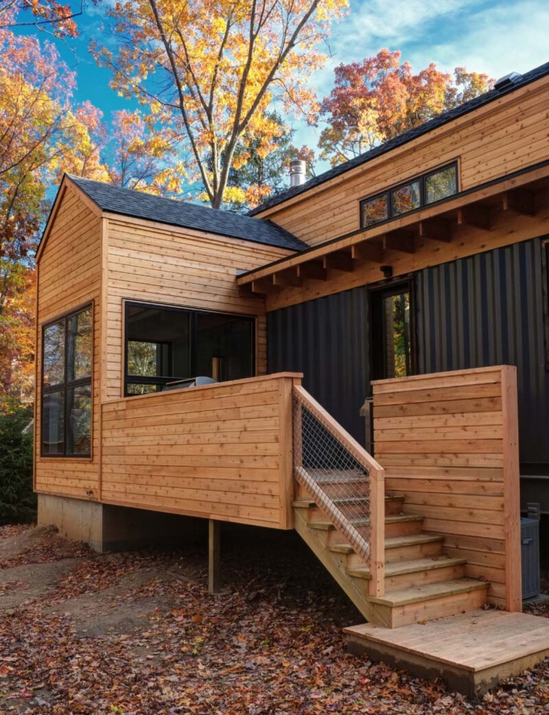 Modern Retreat Home Features Wood and Steel Facade (22)