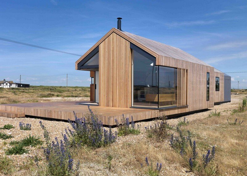Pobble House - Contemporary Cottage Decorated in Minimalist Style (2)