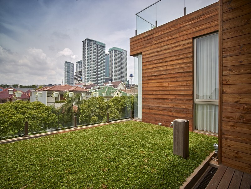 Tropical Open House in Jakarta, Indonesia / RAW Architecture