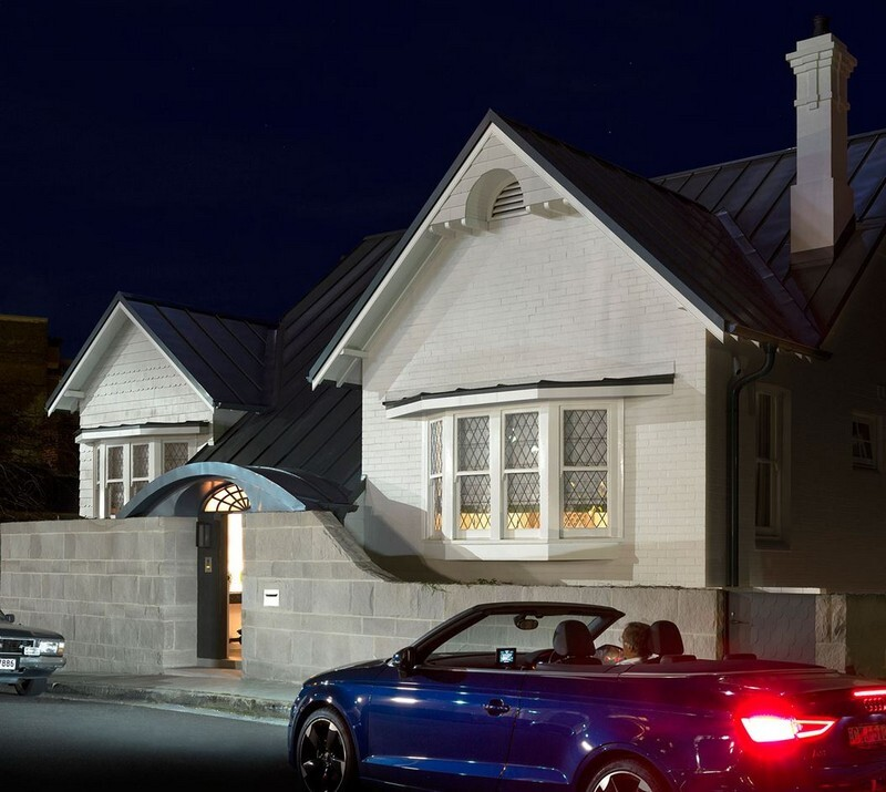 Twin Peaks House - A Queen Anne Style Residence in Sydney (21)
