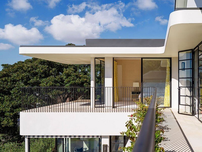 Twin Peaks House - A Queen Anne Style Residence in Sydney (3)