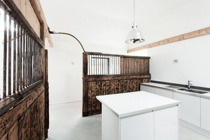 Historic Horse Stables Turned into a Wonderful Three Bedroom Home (7)