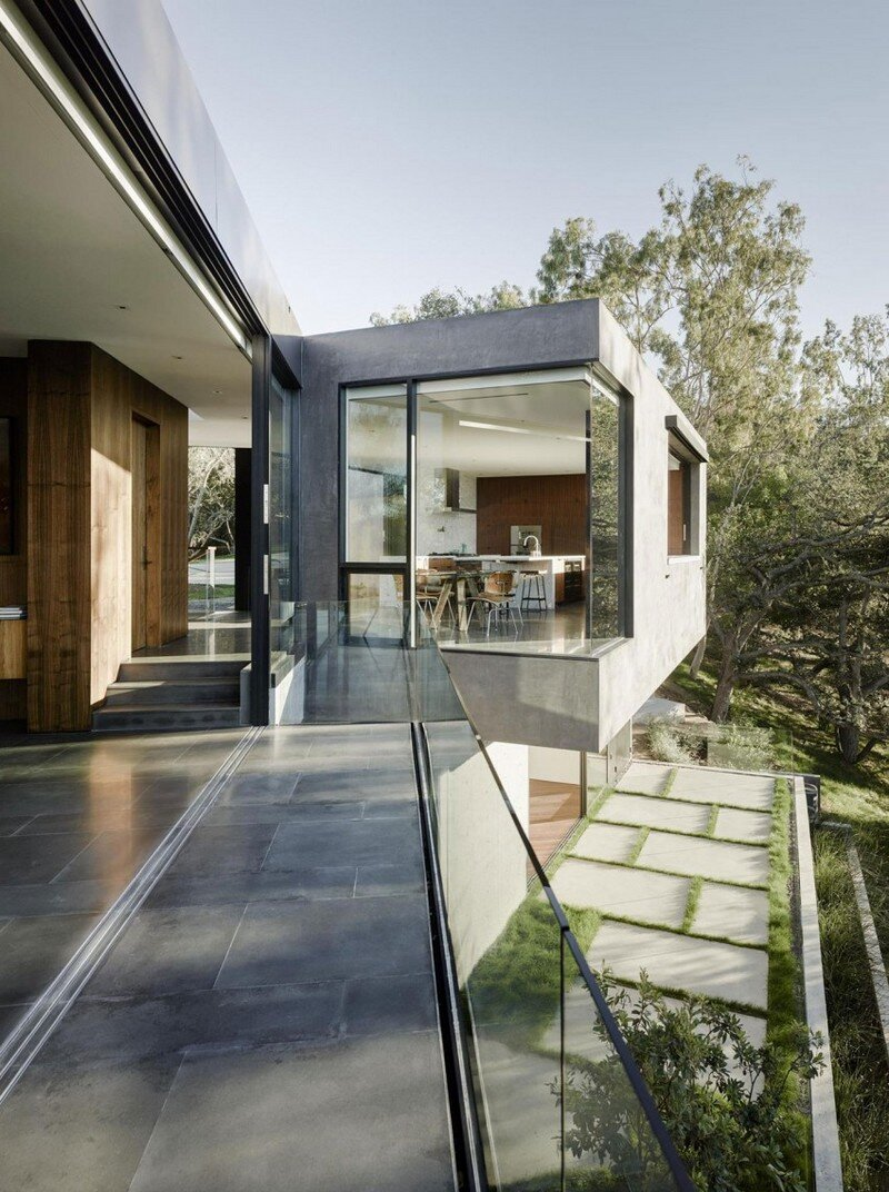 Oak Pass House with Panoramic Canyon Views Walker Workshop (2)