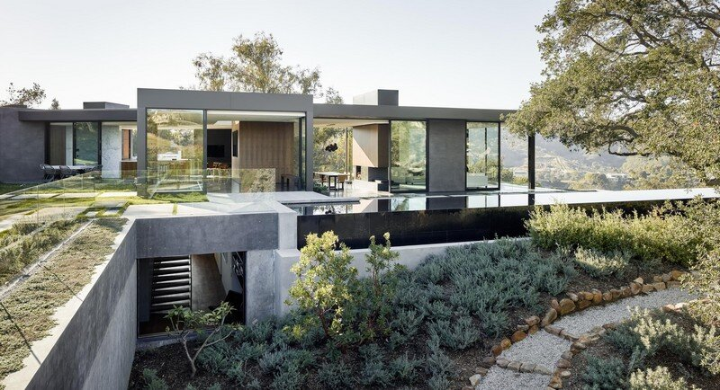 Oak Pass House with Panoramic Canyon Views / Walker Workshop 2