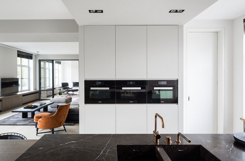 Old Town House Rebuilt and Renovated by JUMA Architects (12)
