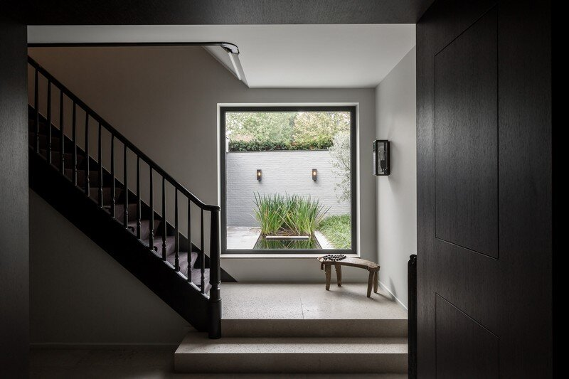 Old Town House Rebuilt and Renovated by JUMA Architects (16)
