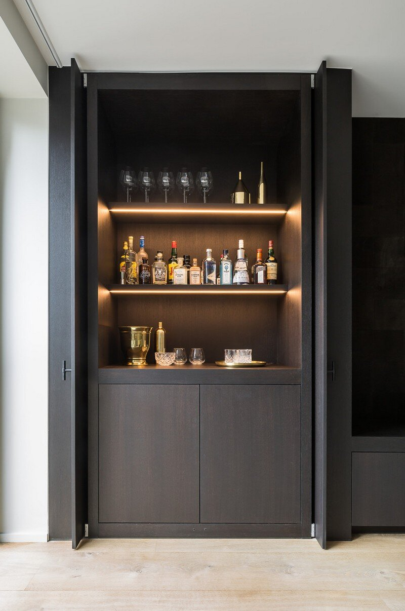 Old Town House Rebuilt and Renovated by JUMA Architects (21)