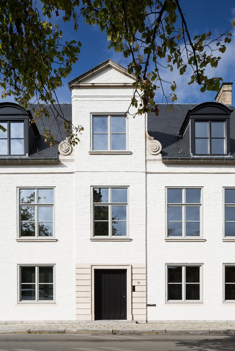 Old Town House Rebuilt and Renovated by JUMA Architects (22)