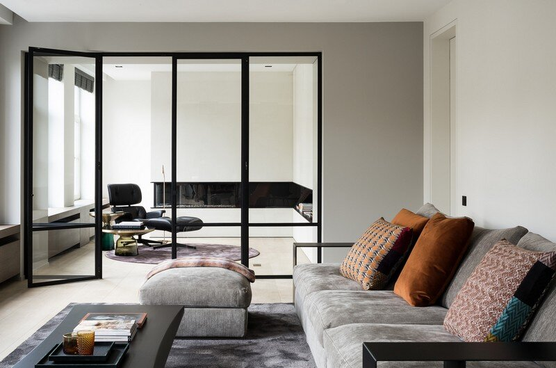 Old Town House Rebuilt and Renovated by JUMA Architects (6)