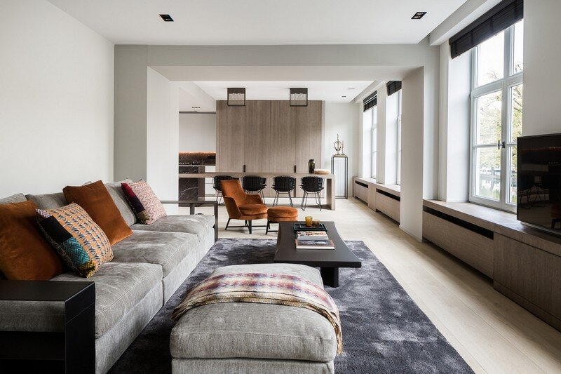 Old Town House Rebuilt and Renovated by JUMA Architects (7)