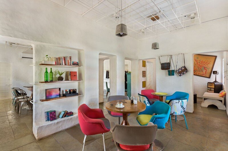 Project Cafe - Dynamic Space for Food, Art and Retail (11)