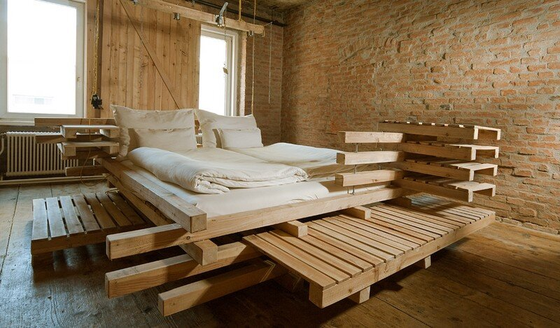 Viennese Guest Room - Raw Feel and Old Industrial Charm (1)