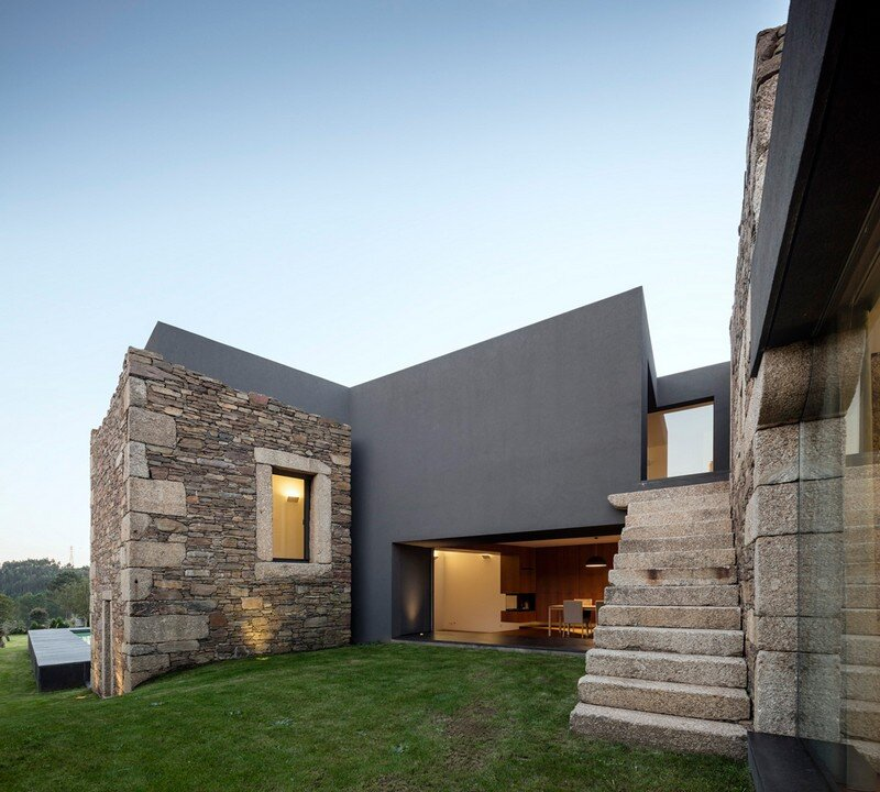 Vigario House is a Dialog Between Old and New (1)