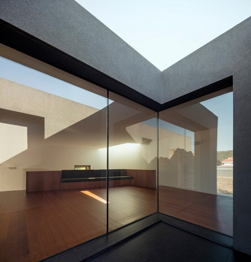 Vigario House is a Dialog Between Old and New (8)